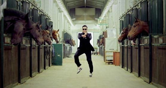25-parodias-de-gangnam-style-el-baile-del-caballo